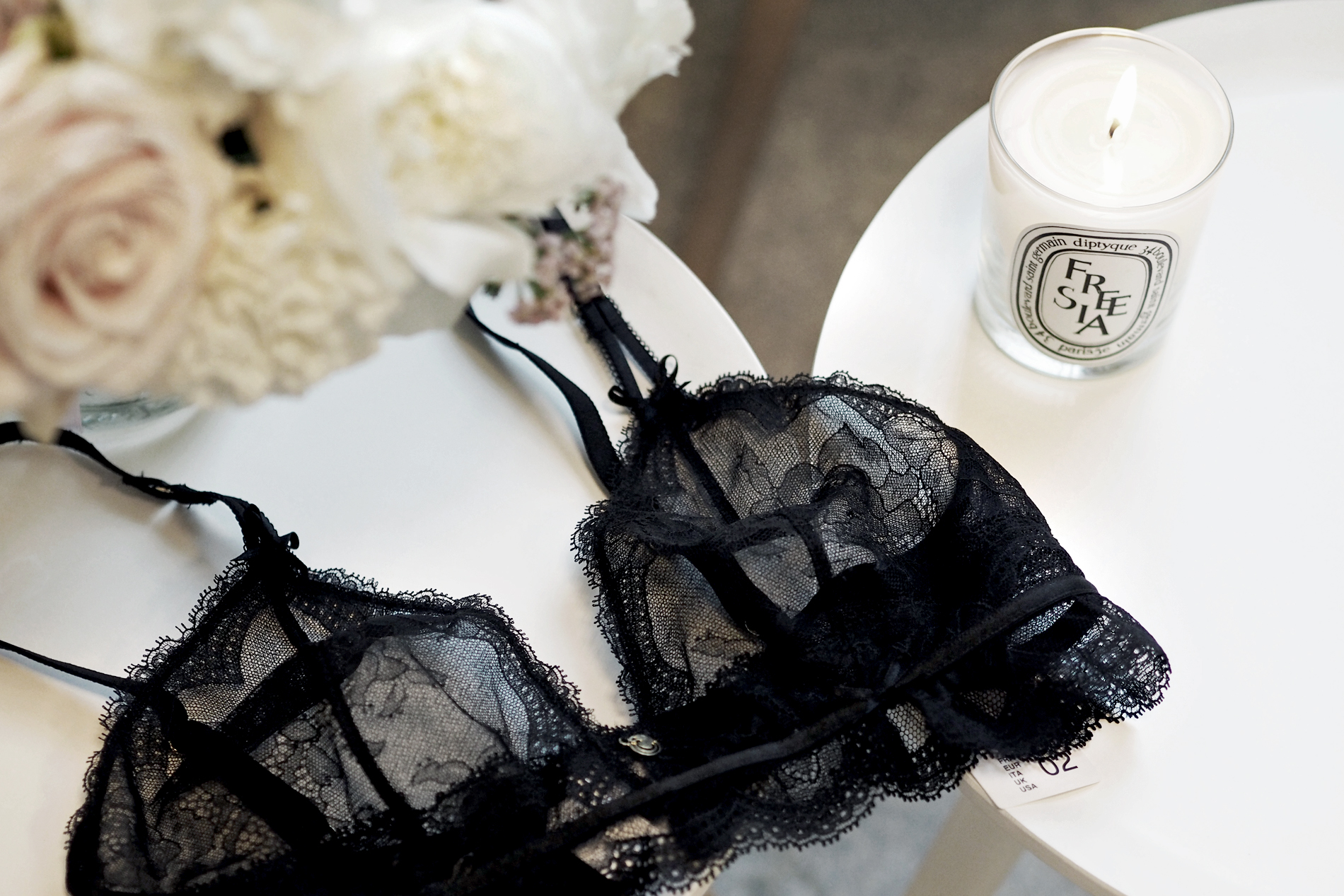 [:en]With Chantelle in Paris & Win Your Own Lace Bra![:de]Mit Chantelle in Paris & Gewinne Deinen Lace Bra![:]